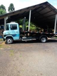 Caminhão Mercedes 708E