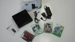 Xbox 360 bloqueado com 4 jogos, na caixa, sem controles