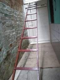 Escada de 4 metros, toda em Massaranduba