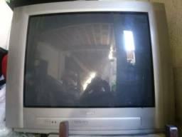 Televisões 26 e 29 polegadas, funcionado