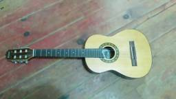 Vendo violão infantil (precisa trocar as cordas)
