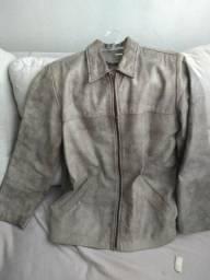Jaqueta de couro legítimo na cor marrom claro