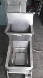 Lavador de Botas e Mãos Acoplado, em Inox 304