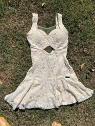 Vestido renda nude