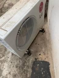 Ar Condicionado de 17 MIL BTUS DA LG COM CONTROLE REMOTO
