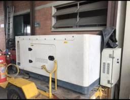 dc6dbb4d13a Gerador 27.5 kVA  Toyama M. TD25SGE3  Aceito troca Carro