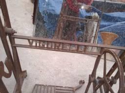 Pezinho de máquina de costura