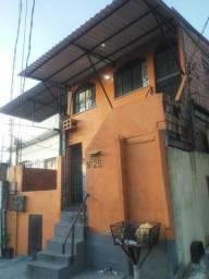 Vende-se 3 casas em 1 terreno medindo 6,00 X 20,00 m (desocupadas)