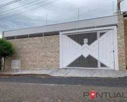 Excelente Residência à Venda no Bairro Jardim Progresso, Marília/SP