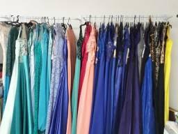 Lote de vestido de festa com 12 peças por R$1000