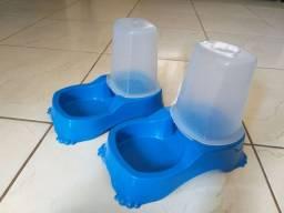 Pote de ração e água para cachorro e gato