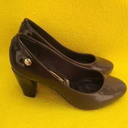 Sapato Scarpin De Verniz Marrom Degradê Com Salto Grosso