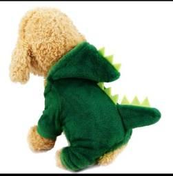 Roupa de frio para cachorro modelo dinossauro