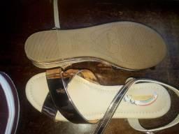 Sandália molequinha nova