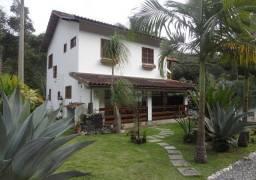 Casa com 3 dormitórios à venda, 260 m² por R$ 445.000,00 - Vargem Grande - Teresópolis/RJ