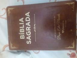 Bíblia anotações de Edir macedo