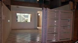 Sobrado com 4 quartos e banheiros sendo 3 suites - Jd Casqueiro