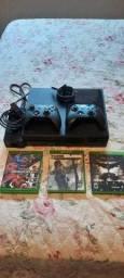 Xbox one Fat 500 gb +2 controles e 3 jogos .