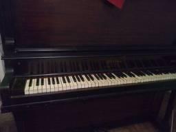 Piano modelo Armário Hilbor