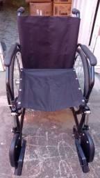 Cadeira de rodas e cadeira de banho aluguel ou venda