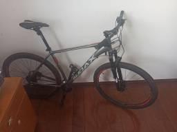 Bike aro 29 - tamanho 20 - usada apenas 3 vezes