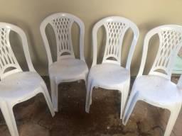 Vende se cadeira de plástico Tramontina