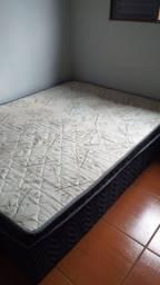 Vende-se cama casal conservada
