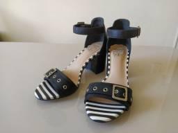 Sandália Salto Baixo - Importada da Itália