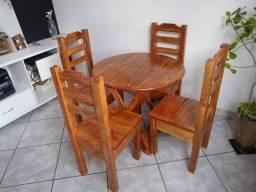 Mesa redonda com 4 cadeiras Cíntia plus com verniz imbuia