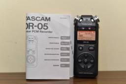 Gravador de Áudio Tascam DR 05