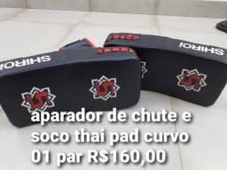 Aparador Chutes socos Thai Pad curvo
