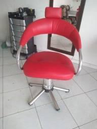 Vendo Cadeira de corte semi nova