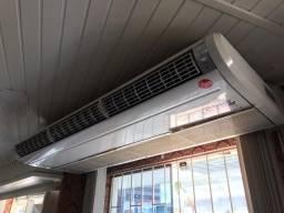 Ar condicionado split piso teto rhemm 48000 btus frio 380V trifascio