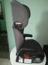 Cadeira retrátil para veículo.$200,00