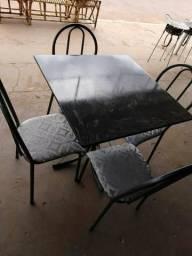 Mesa de mármore nova