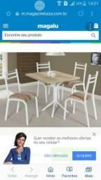 Messas com cadeiras