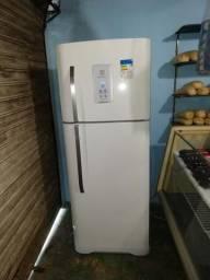 Geladeira electrolux dúplex frost free seminova de 436 litros