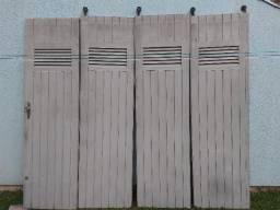 Portão garagem madeira