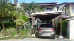 Casa em condomínio fechado em Vilas do Atlântico com 4/4 ,1 suíte, 2 pavimentos.