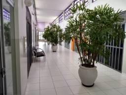 Sala comercial com 64 m² Av. JK