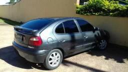 Renault Megane em perfeito estado com gnv super econômico - 2001
