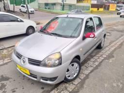 Renault / Clio - 1.0 - 2010 4portas - 2010