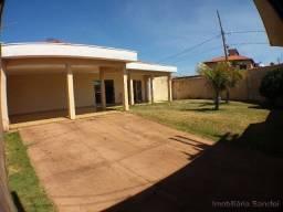 Casa em Cravinhos - Jardim das Acácias - Casa de esquina com ampla área