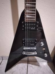 Guitarra strimberg fly e cubo meteoro NDE15