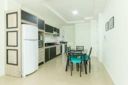 Apartamento Amplo 03 Dormitórios a 200m da Praia Em-Mariscal