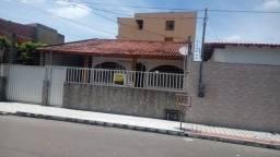 casa bem localizada no centro de jacaraipe: financio:4 qrt psicina
