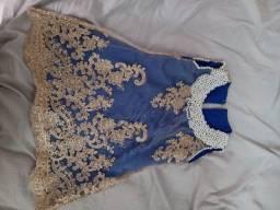 Vendo dois vestido em renda, bordado a pérola