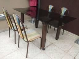 Mesa Tampo Vidro com 4 Cadeiras