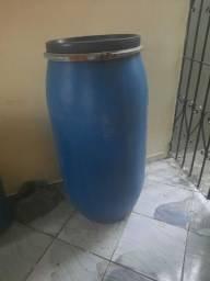 Vende-se esse Tambor de 200 litro