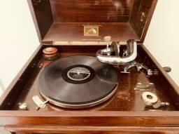 Gramophone - Hismaster's Voice